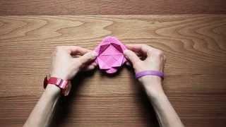 Origami per bambini: come fare una rosa di carta