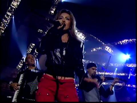 Thalia - A Quien Le Importa [Live] (Latin Grammy 2003)