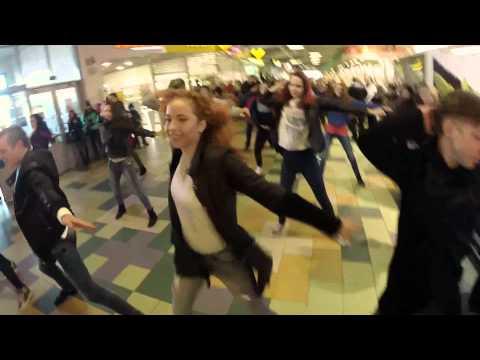 Видео, Танцевальный флэшмоб в торговом центре