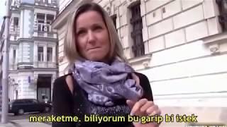 Para İçin Genç Adama Soyundu Türkçe Altyazılı 2016