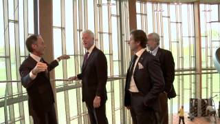 Bill Clinton in Italy tours the Technogym Village - Unravel Travel TV