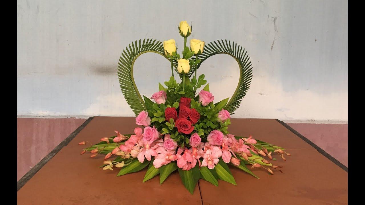 Cắm Hoa Để Bàn Đơn Giản – Hoa Trái Tim