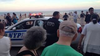 Girl get lost on Brighton Beach police did a Good job and f