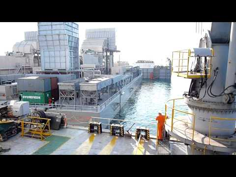 Dockwise - Power Barges Unloading