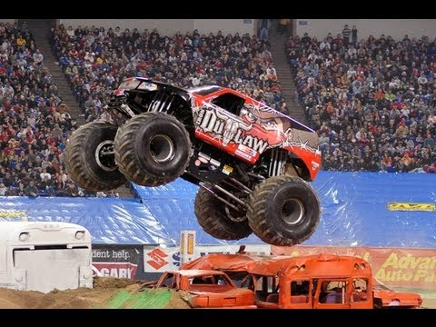 Iron Outlaw Monster Truck Freestyle Run Youtube