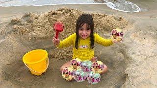ENCONTREI UMA LOL SURPRISE NA PRAIA LAURA E HELENA - Playtime on the Beach lol - clubinho da laura !