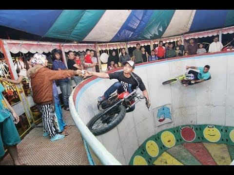 RODA GILA  Pasar Malam Motor Rx King Crazy Wheels - lepas tangan hampir Jatuh