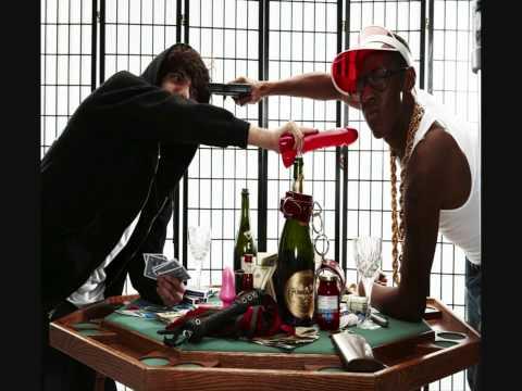 Spank Rock & Benny Blanco - Shake That