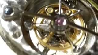 トゥールビヨン アブラアン・ルイ・ブレゲが発明した技術で,重力による...