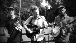 "Kitchen Song No. 17- The Downhill Strugglers playing ""Hesitation Blues"""