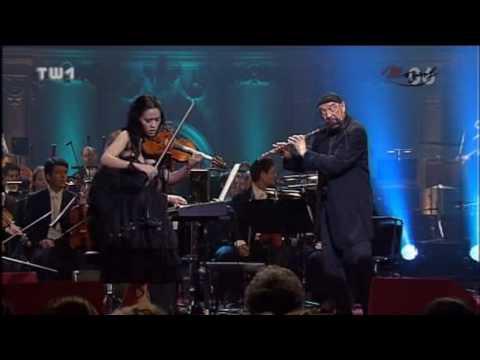 Ian Anderson & Lucia Micarelli - Mo'z Art Medley