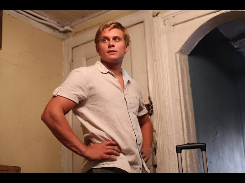 Download Youtube: Billy Magnussen in the 2nd trailer for Surviving Family!