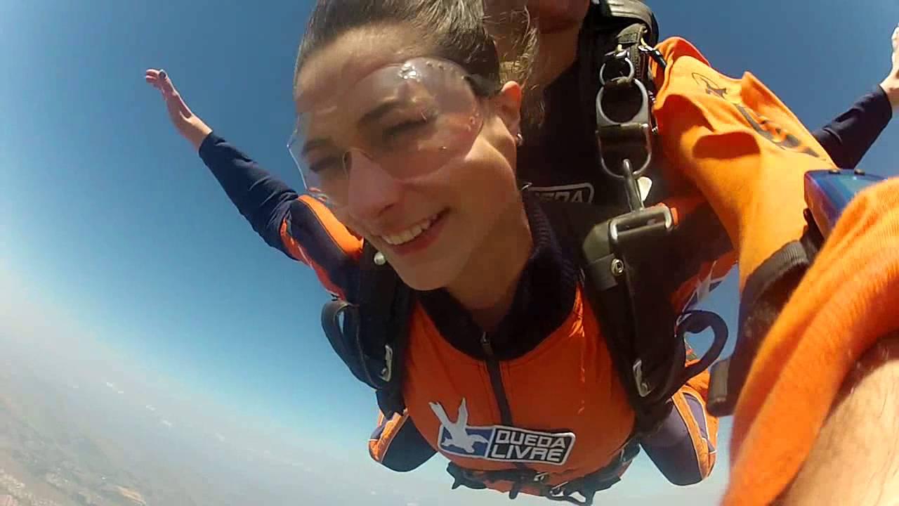 Salto de Paraqueda da Mariana na Queda Livre Paraquedismo 30 07 2016