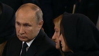 Путин приехал на церемонию прощания с Юрием Лужковым