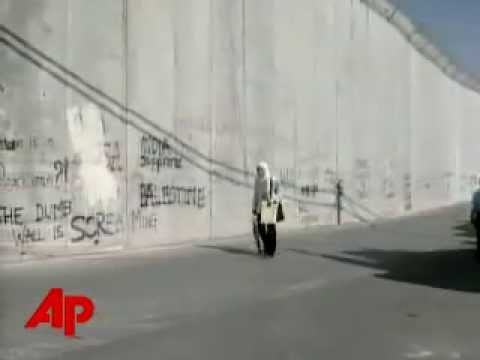 Roger Waters (Pink Floyd) The Other The Wall In Israel 2006