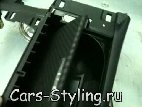 видео: Оклейка деталей салона карбоном