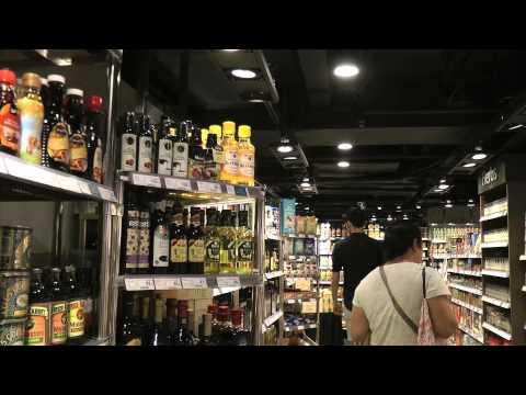 ENTREPRENEURS IN HONG KONG / WELCOME TO PIAZZA GRANDE