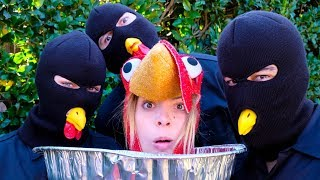 I'm Thanksgiving Dinner? | Lele Pons