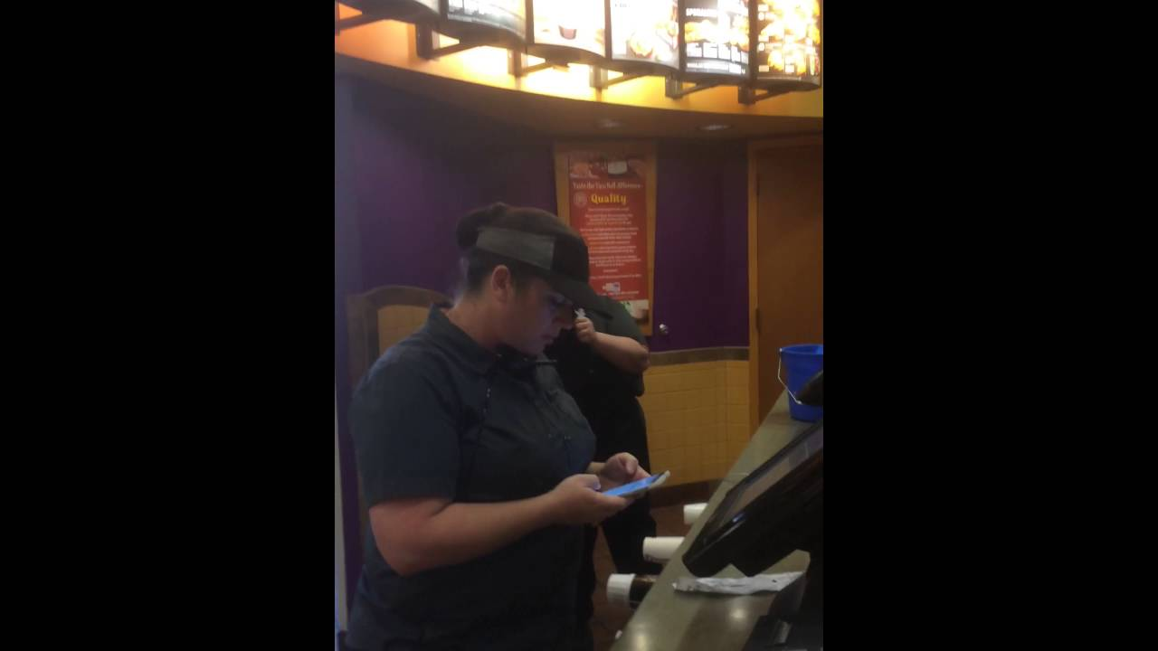 Taco Bell Manager saying Fuck twice! - YouTube