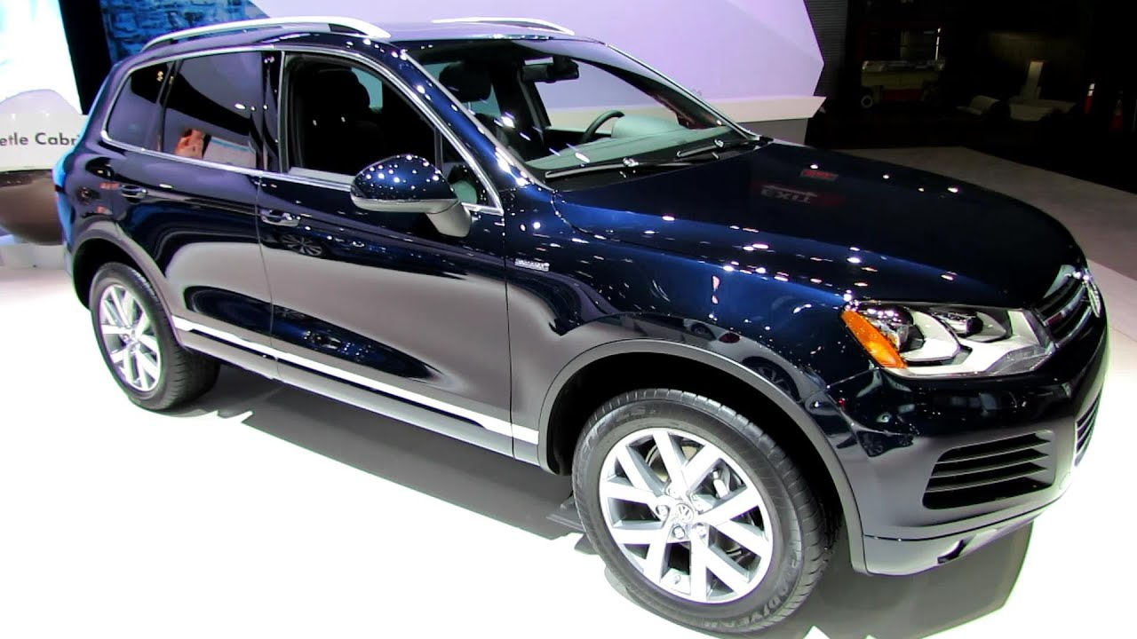2014 volkswagen touareg tdi edition x exterior and interior walkaround 2014 new york auto. Black Bedroom Furniture Sets. Home Design Ideas