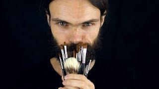 ASMR Role Play: The Brush Seller [French soft spoken]