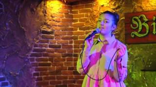 """Новогодняя песня - Три белых коня (из фильма """"Чародеи"""") - Мануэла Мишиева live cover"""