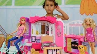 Видео для девочек. Игра с куклами БАРБИ. Дом Барби. Домашние животные Барби