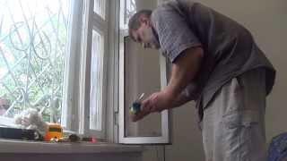видео Замена стекла в оконной деревянной раме