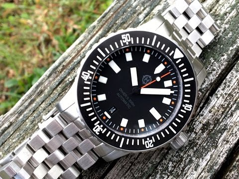 Watch Review | Helm Watches Vanuatu