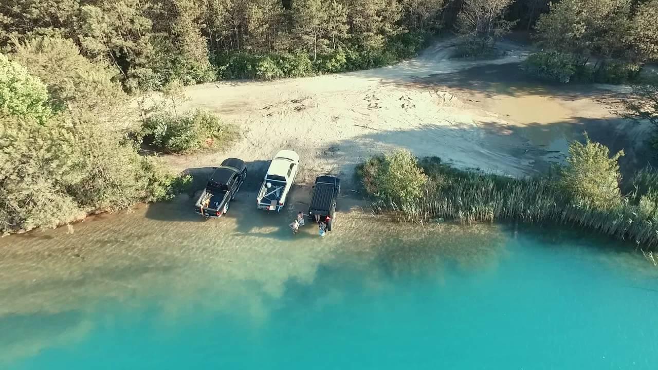 Abandoned quarry makes beautiful swimming spot - YouTube