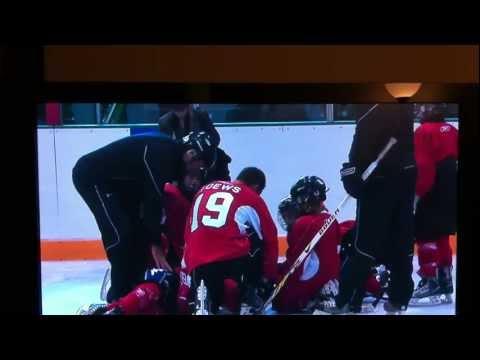Jonathan Toews knocks out kid at hockey camp