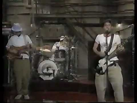 Beastie Boys 'Sabotage' on Late Show 1994 live studio performance Mp3
