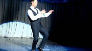[FTUZONE] Đức Tuấn - Yêu Trong Ánh Sáng (Live @ Tour Guide Contest 2011)
