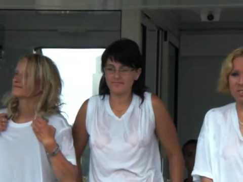 pornerbros t shirt mouillé