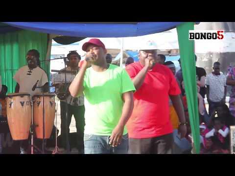 Solid Ground wafanya show ndani ya banda la Ngorongoro la Mpoto