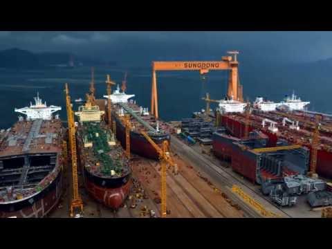 성동조선해양 SUEZMAX TANKER COT (158000 dwt 원유운반선) 선박 건조 진수장면