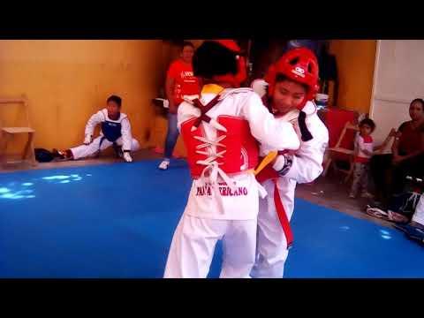 Fogueo en taekwondo vera's [Van Ister(cinta amarilla)]