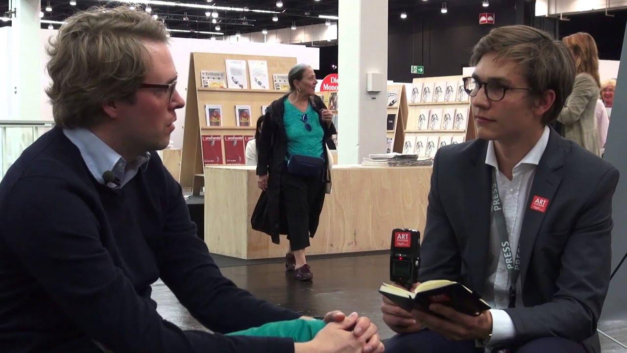 Dr. des. Sebastian Baden im Gespräch auf der ArtCologne
