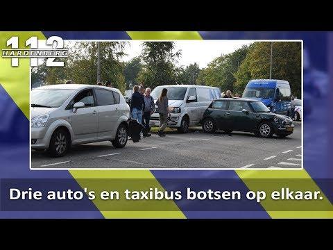 Drie auto's en taxibus botsen op elkaar in Hardenberg
