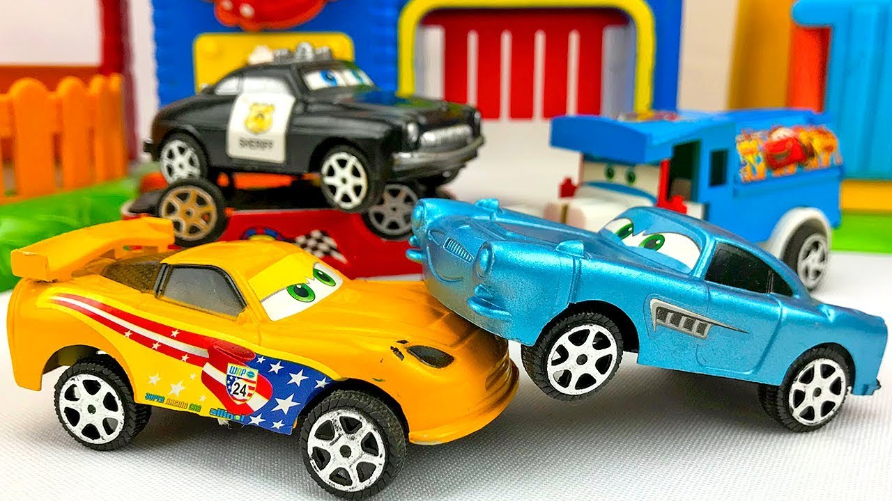 Carros para niños - Autos de Carrera Disney Cars - Videos Infantiles