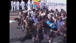1100 нелегалов спасли в море итальянские военные (новости)(, 2014-02-06T13:28:26.000Z)