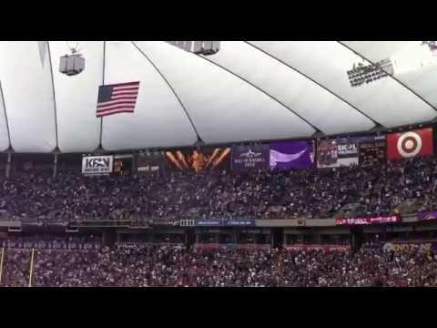Minnesota Vikings Scoring Fight Song / Chant At Metro Dome Game.  Skol Vikings, Let's Win This Game.