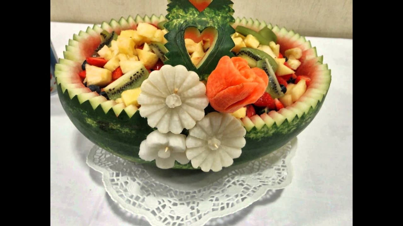 Carving in dublin video3 fruit vegetable designs for for Decoration fruit