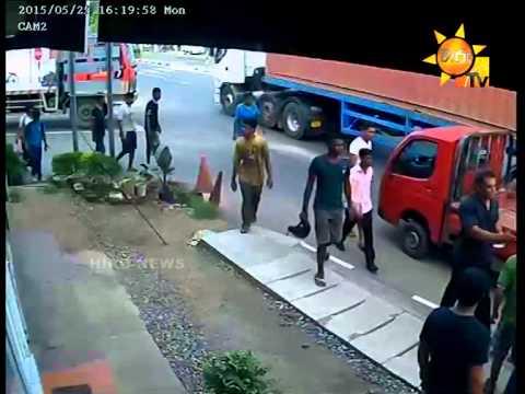 UNBLIVABLAIE ACCIDENT IN SRI LANKA - LIVE CCTV thumbnail