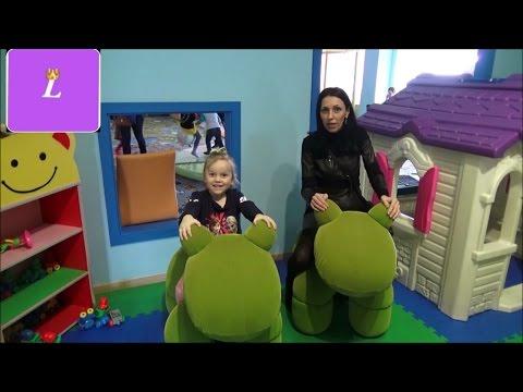 Детский центр развлечений.  Бассейны Батут Горки children's amusement park