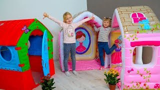 Margo and Nastya  play in build a new Playhouse for children