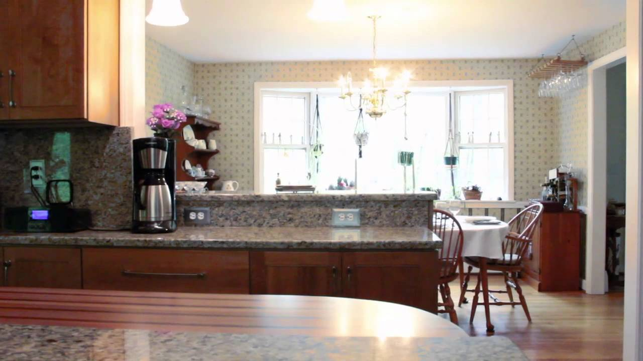 Kitchen Living Custom Cabinets And Counters In Glastonbury