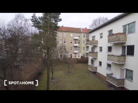 Sunny 1-bedroom apartment with balcony for rent in Reinickendorf, Berlin - Spotahome (ref 123538)