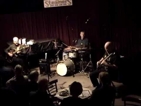 O Christmas Tree ~ Ron Escheté Trio 2006
