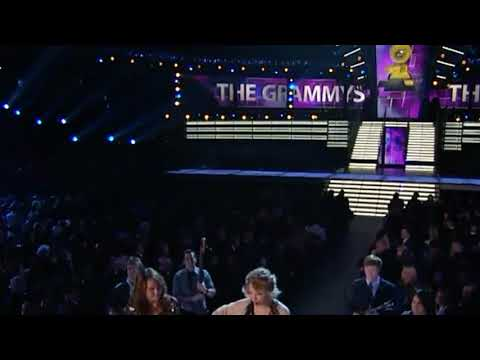 Taylor Swift - Fifteen Ft. Miley Cyrus (Live The Grammy Awards)